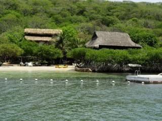 Fachada del Hotel Fuente Hotel Sport Barú Facebook